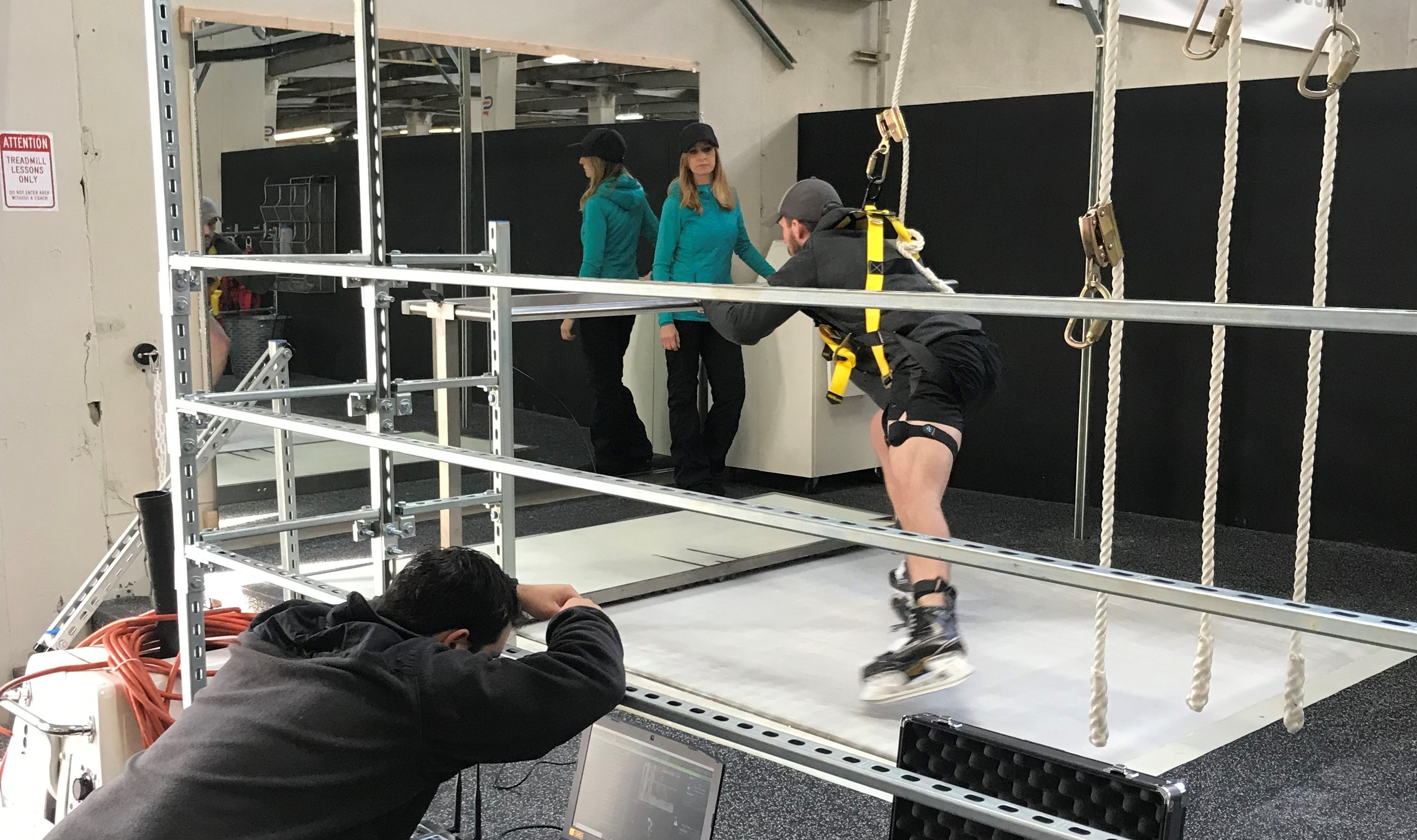 Skating Treadmill with bio mechanics